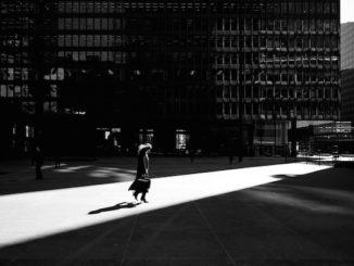 Business Woman, door Sam Javanrouh, via Flickr.