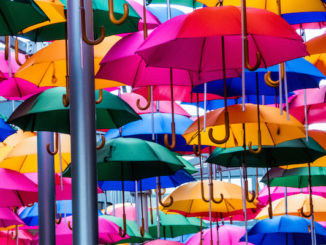 Umbrellas, door Eduardo Skinner, via Flickr.