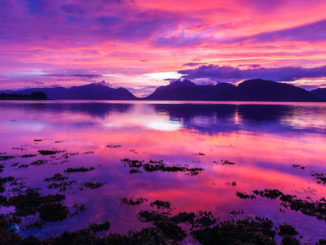 Spectacular Sunset on Loch Linnhe in Ketallen, door Loïc Lagarde, via Flickr.