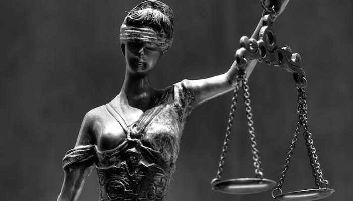 Blind Justice 3, door Marc Treble, via Flickr.