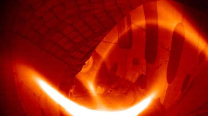 The first hydrogen plasma in the Wendelstein 7-X was generated on 3 February 2016. Credit: Max Planck Institute for Plasma Physics, Greifswald. Via: http://phys.org/news/2016-06-scientific-experimentation-wendelstein-x-fusion.html