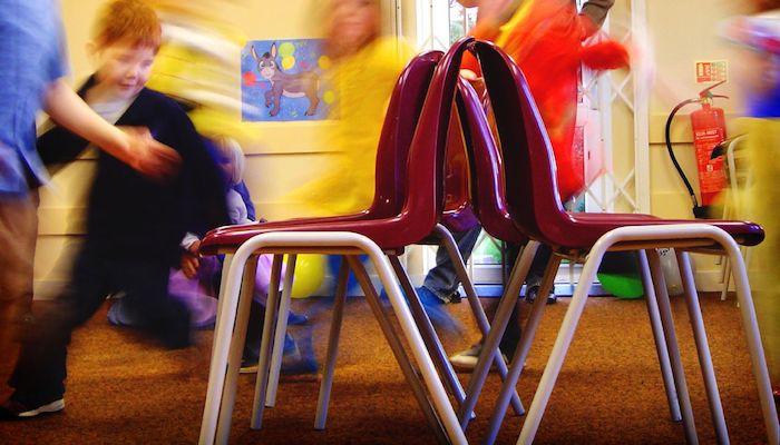Musical Chairs, door David Maddison, via Flickr.com