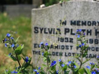 Sylvia Plath's grave, door UncleBucko, via Flickr.